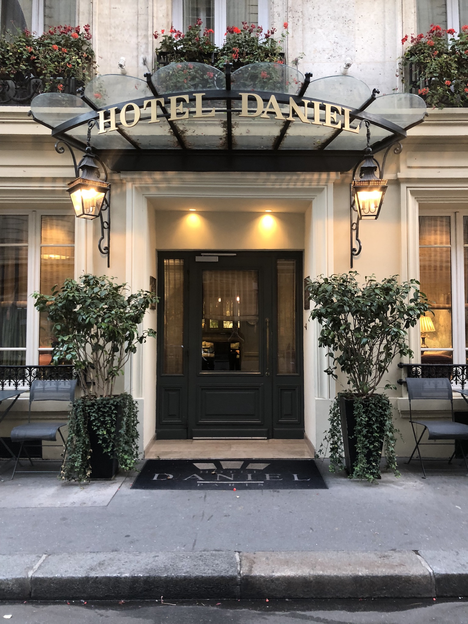 Hotel Daniel Paris : a stay and High Tea to remember